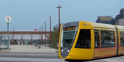 Image d'illustration avec le tramway de Reims, derrière la gare de Saint-Malo.